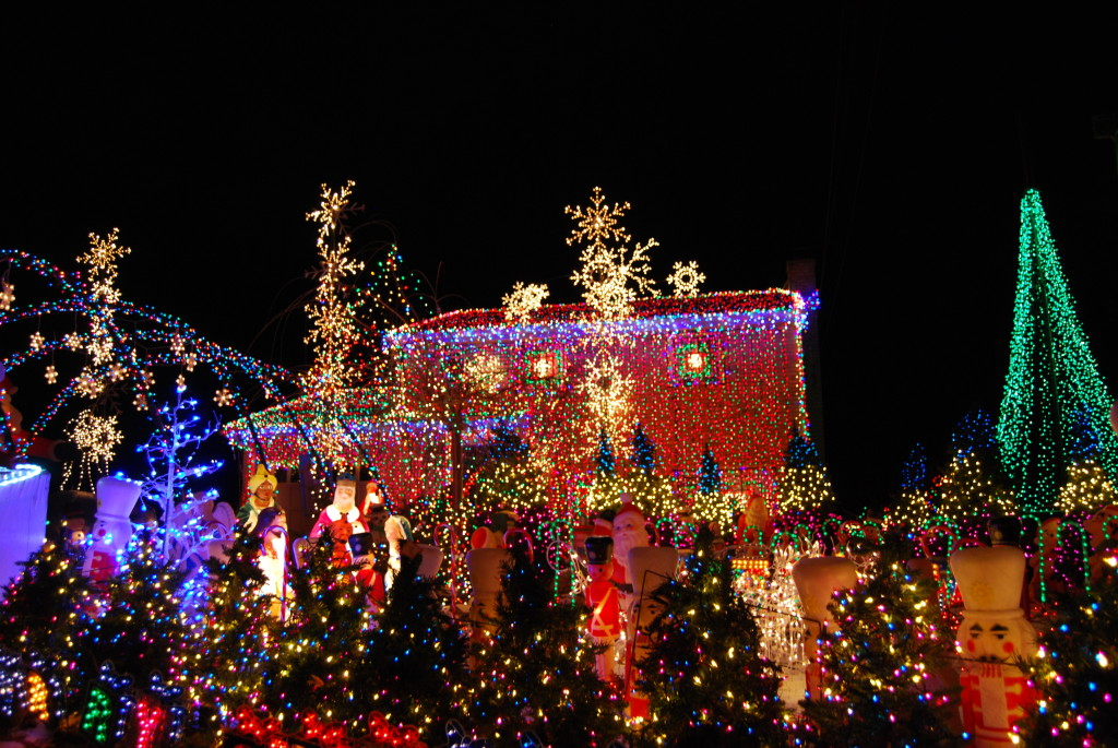 I Was Fascinated By Viewing A Short Clip About A Massive. Christmas Light  Display At A Home In Pittsburgh, PA. These Folks Put In An